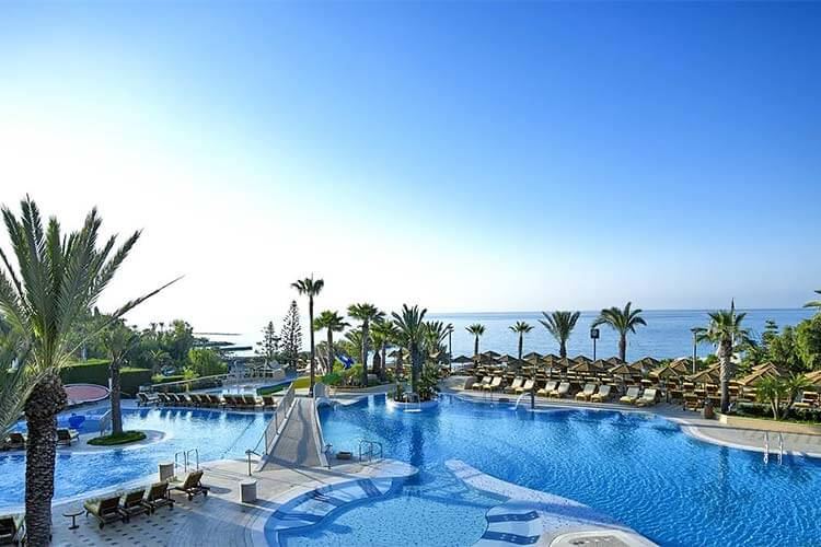 Luxe hotel Hotel Four Seasons direct aan zee Cyprus