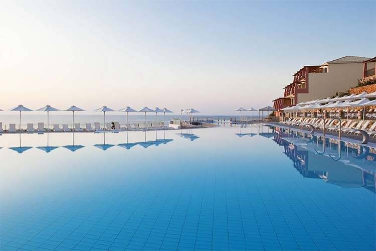Luxe all inclusive Hotel Apostolata Island Resort & Spa Griekenland